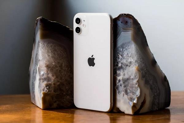 iPhone 12 की लॉन्चिंग में इस बार हो सकती है देरी, पहले कंपनी लाएगी सस्ता आईपैड