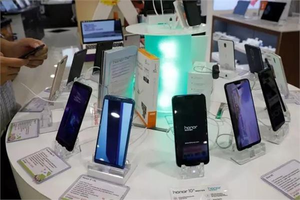 भारतीयों को नहीं चाहिए फोन में बड़ी बैटरी या ज्यादा कैमरे!, उन्हें तो चाहिए बस यह एक फीचर
