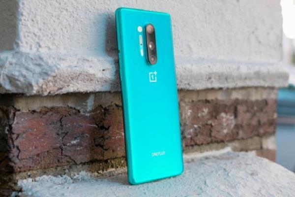 65W वार्प चार्ज टेक्नॉलजी के साथ आएगा OnePlus 8T स्मार्टफोन, फोन में लगीं होंगी दो बैटरियां