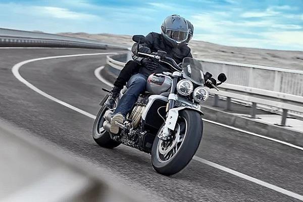 Triumph ने भारत में लॉन्च किया 18 लाख का Rocket 3 GT सुपरबाइक, 2500cc का है इंजन