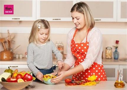 बच्चों को कुकिंग सीखाना बहुत जरूरी मगर इन बातों का रखें खास ध्यान