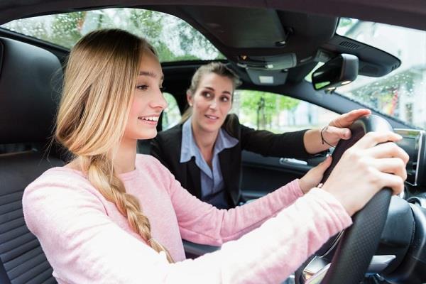 कार की टैस्ट ड्राइव लेते समय अगर इन बातों का रखेंगे ध्यान तो कभी गलत नहीं होगा आपका फैसला