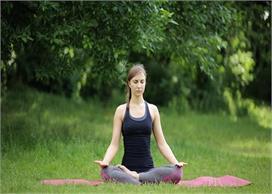 रोजाना करें ये 3 योगासन, इम्यूनिटी बढ़ने के साथ तनाव होगा कम