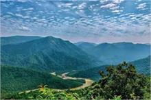 खूबसूरत झरने व मंदिर से मशहूर है ओडिशा की देवमली पहाड़ी,...