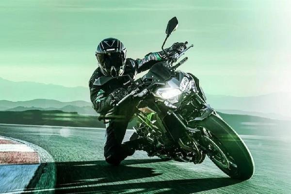 948cc चार सिलेंडर इंजन के साथ भारत में लॉन्च हुई 2020 Kawasaki Z900