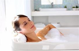 Beauty Alert: पिंपल्स होने का कारण बनती है नहाने दौरान की...