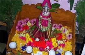 देवी मां को करना है प्रसन्न तो नवरात्रि आने से पहले जरूर...