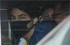 Drug Case: आर्यन खान को लेकर कोर्ट पहुंची NCB, गौरी खान भी...