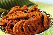 गुजरात स्पेशल: स्नैक्स में बनाकर खाएं कुरकरी चकली