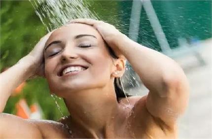 Winter Care: नहाते समय साबुन की जगह लगाएं ये चीजें, स्किन नहीं होगी...