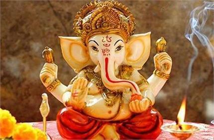 Sankashti Chaturthi: गणेश पूजा में ना करें ये गलतियां, इस मंत्र से...