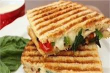 बच्चों के लिए बनाएं पनीर ग्रिल्ड सैंडविच