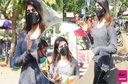 सुशांत के जन्मदिन से 1 दिन पहले रिया ने खरीदे फूल, Full Attitude में...