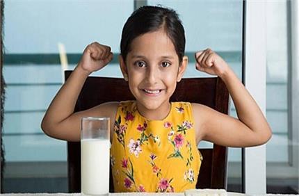 बच्चे में पहचाने विटामिन डी की कमी, जरूर खिलाएं ये आहार