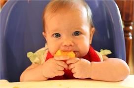 जानिए बच्चे को संतरा खिलाने का सही समय और तरीका