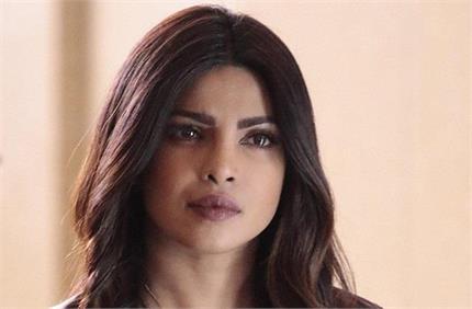गलत सर्जरी ने बिगाड़ दिया था प्रियंका का चेहरा, छीन ली गई थीं फिल्में