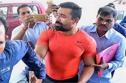 ड्रग केस में फंसे एजाज खान, लंबी पूछताछ के बाद NCB ने किया गिरफ्तार