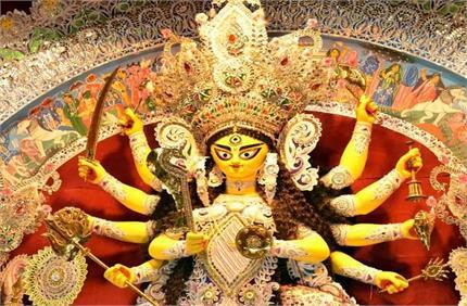 बिलासपुर में देवी मां अनोखा मंदिर, जहां मन्नत पूरी होने पर चढ़ते हैं...