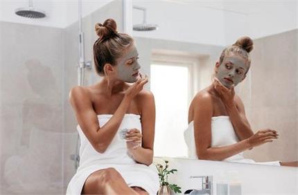 घर पर आसानी से करें Charcoal Facial, 15 मिनट में मिलेगा पार्लर जैसा...