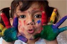 होली के रंगों से ऐसे रखें बच्चे को सुरक्षित, नहीं होगी...