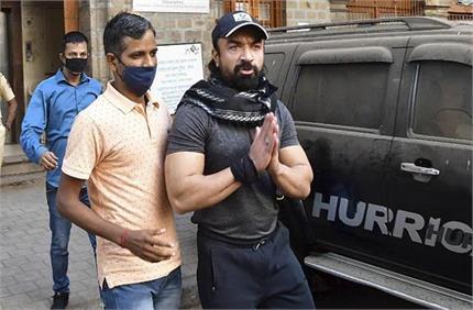 Drug Case: 3 अप्रैल तक NCB की कस्टडी में रहेंगे एजाज खान, कोर्ट ने...