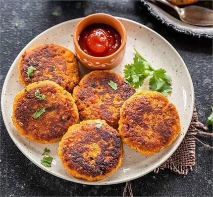 नवरात्रि व्रत में बनाकर खाएं स्वादिष्ट अरबी-काजू की टिक्की