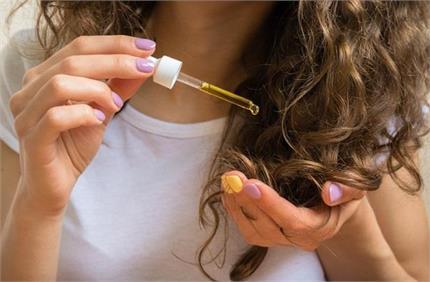 अपने हेयर टाइप के हिसाब से चुनें सही सीरम, बाल दिखेंगे हैल्दी और शाइनी