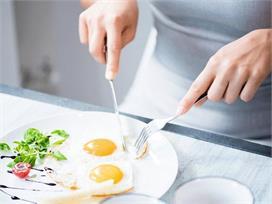 गर्मियों में अंडा खाना चाहिए या नहीं? जानिए एक्सपर्ट की राय