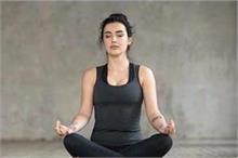 दवाओं से नहीं बल्कि इन 5 योगासन से करें ब्लड प्रेशर कंट्रोल