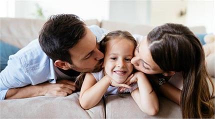 प्यार दुलार में आकर मां-बाप कर बैठते है यह गलतियां, जिनसे बिगड़ जाते...