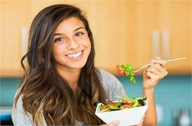 Health Tips: एक क्लिक में जानें सलाद खाने के लाजवाब फायदे