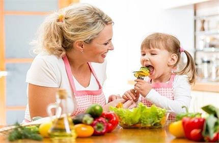 COVID19: बच्चे की इम्यूनटी बढ़ाने में काम आएंगे ये टिप्स, आज से ही...