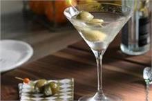 World Martini Day: मिनटों में बनाकर पीएं ठंडी-ठंडी मार्टिनी