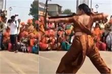 महिला ने साड़ी में दिखाया ऐसा देसी Martial Arts कि लोग हुए...