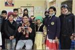 'खिलता बचपन' अभियान के तहत बच्चों को शिक्षा से जोड़ने का काम कर रहे...