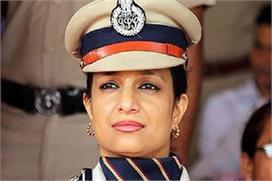 भगवान कृष्ण की 'मीरा' बनना चाहती हैं IPS भारती अरोड़ा,...