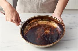 जले हुए बर्तन को इन तरीकों से करें साफ, मिनटों में दूर...