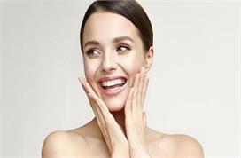 Skin Care: घर पर ग्लोइंग स्किन पाने के लिए ट्राई करें ये...