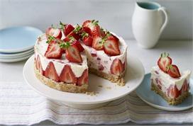 Daughters Day: अपनी प्यारी बेटी के लिए बनाएं स्ट्रॉबेरी...