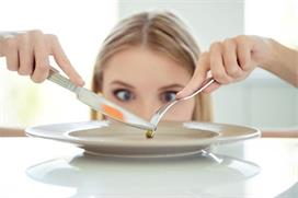 Weight Loss Tips: क्या वजन घटाने के लिए Dinner छोड़ना सही?