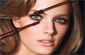 Eye Care: कॉन्टेक्ट लेंस लगाने के बाद ऐसे अप्लाई करें आई...