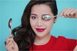 Spoon Hacks: मस्कारा लगाने से लेकर आंखों की सूजन हटाने तक, जानें चम्मच के ब्यूटी हैक्स