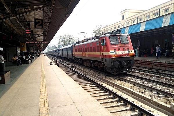 अब 1,000 रेलवे स्टेशन पर मुफ्त में पाएं Wi-Fi की सुविधा, ऐसे उठा सकेंगे फायदा