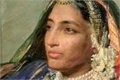 last sikh queen s earrings fetch nearly 6 times auction estimate