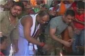 former captain mahendra singh dhoni arrived at ranchi navra