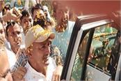ajay and naina greeted with flower rains when they reach jind