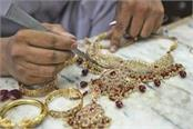 gold regains glitter on jewellers  buying