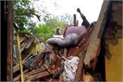 dhanbad one woman killed one injured after a dilapidated building collapses