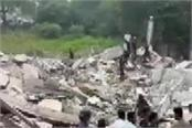 a building collapsed in vadodara