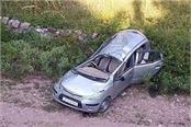 car fall into deep ditch